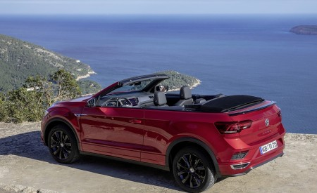 2020 Volkswagen T-Roc Cabriolet Rear Three-Quarter Wallpapers 450x275 (114)