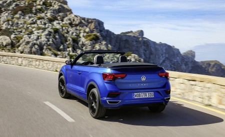 2020 Volkswagen T-Roc Cabriolet Rear Three-Quarter Wallpapers 450x275 (21)