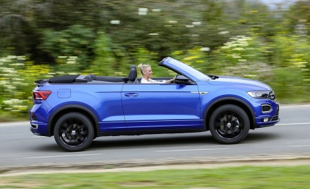 2020 Volkswagen T-Roc Cabriolet Side Wallpapers 450x275 (40)