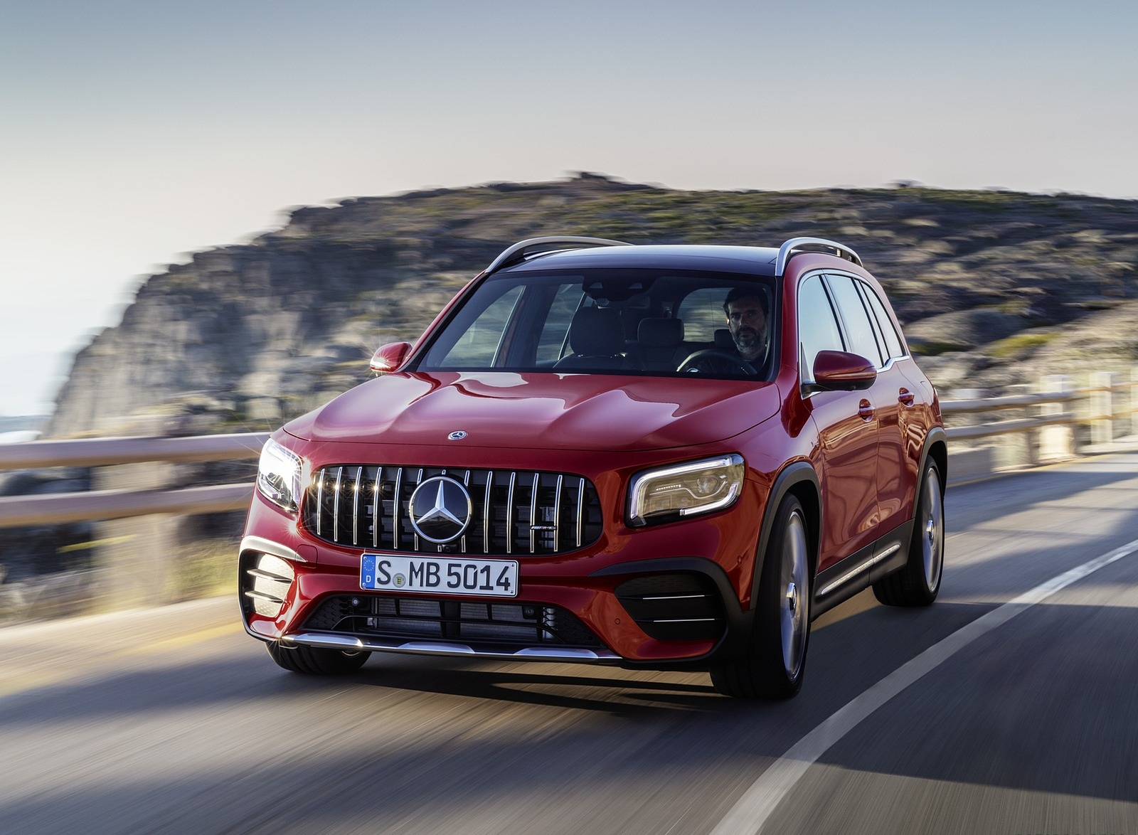 2021 Mercedes-AMG GLB 35 4MATIC (Color: Designo Patagonia Red Metallic) Front Three-Quarter Wallpapers (1)