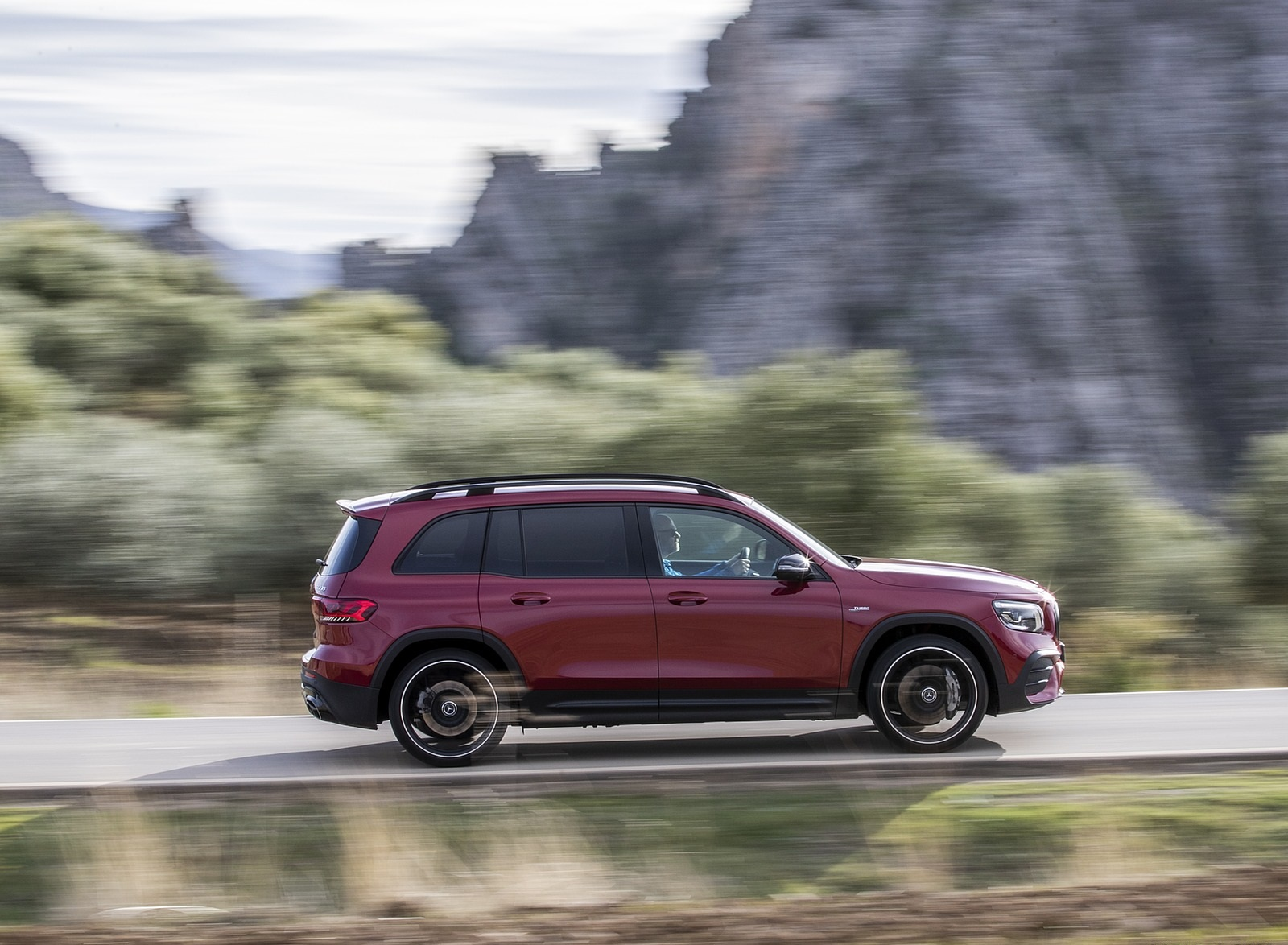2021 Mercedes-AMG GLB 35 4MATIC (Color: Designo Patagonia Red Metallic) Side Wallpapers (9)