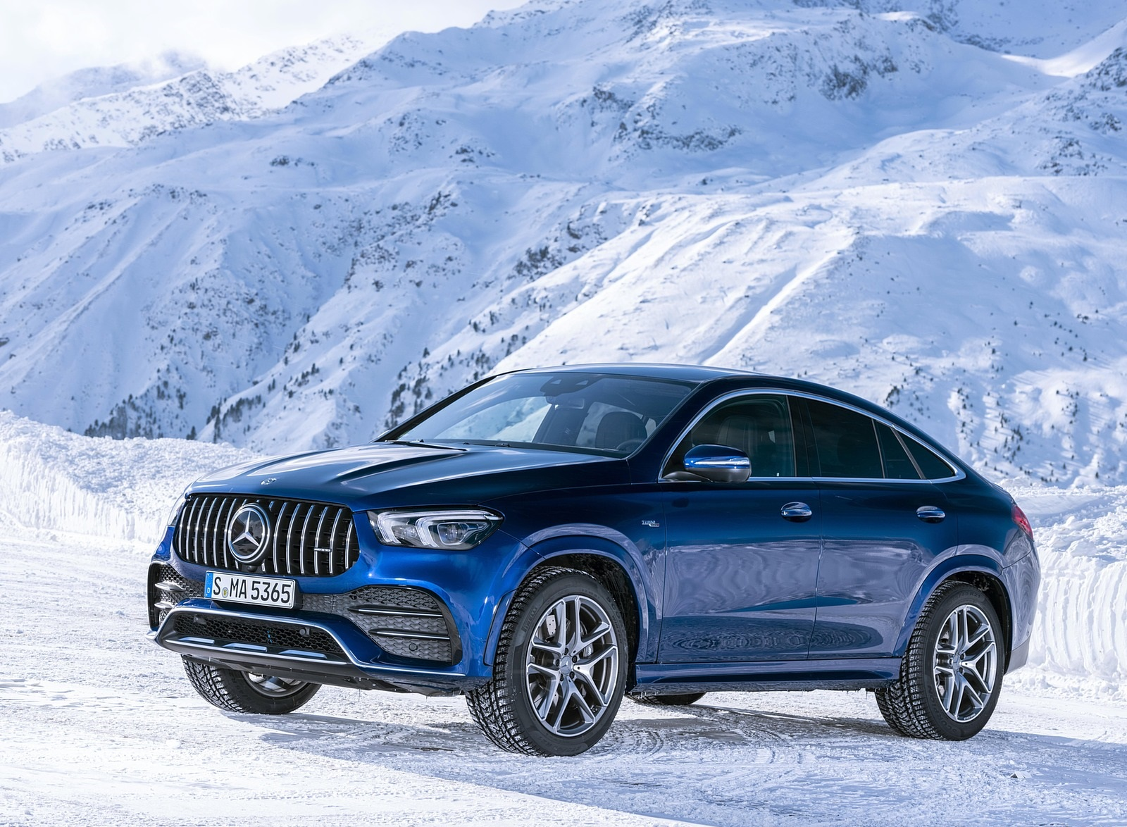 2021 Mercedes-AMG GLE 53 4MATIC Coupe (Color: Brilliant Blue Metallic) Front Three-Quarter Wallpapers (6)