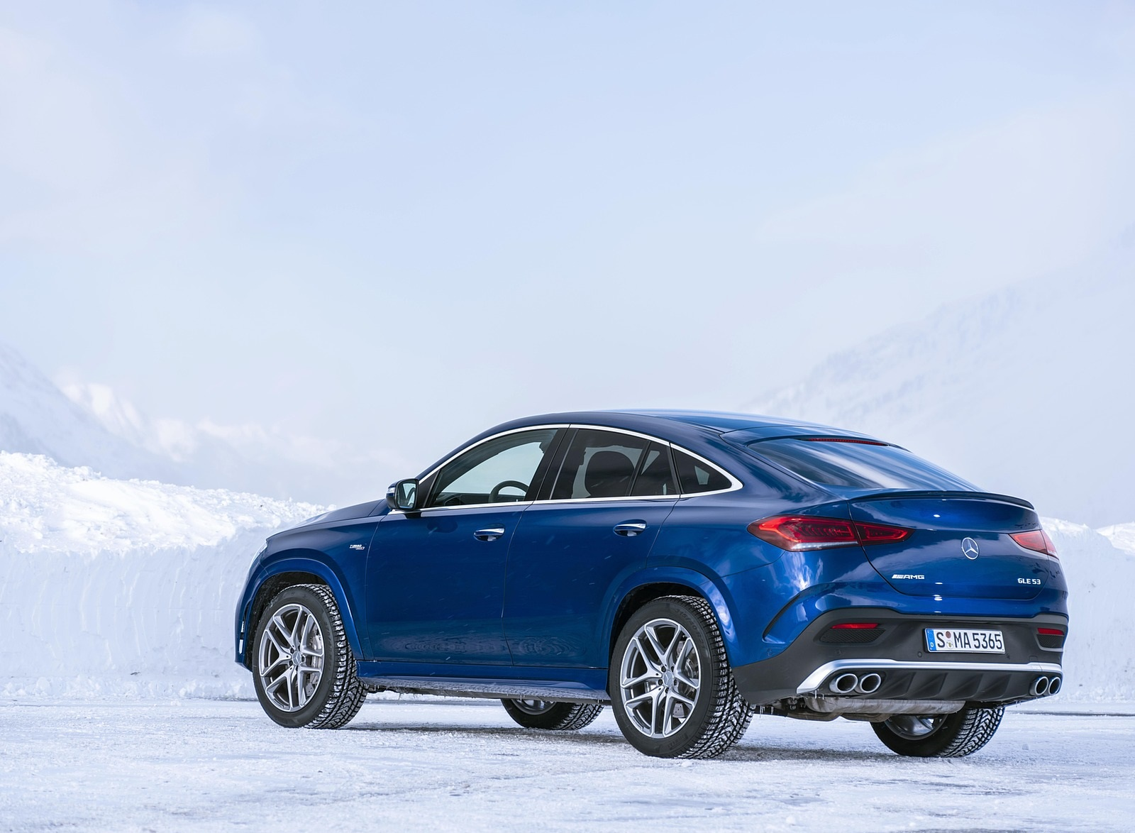 2021 Mercedes-AMG GLE 53 4MATIC Coupe (Color: Brilliant Blue Metallic) Rear Three-Quarter Wallpapers (8)