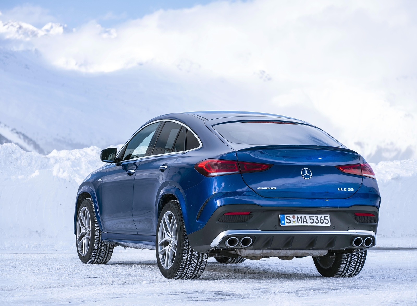 2021 Mercedes-AMG GLE 53 4MATIC Coupe (Color: Brilliant Blue Metallic) Rear Three-Quarter Wallpapers (10)