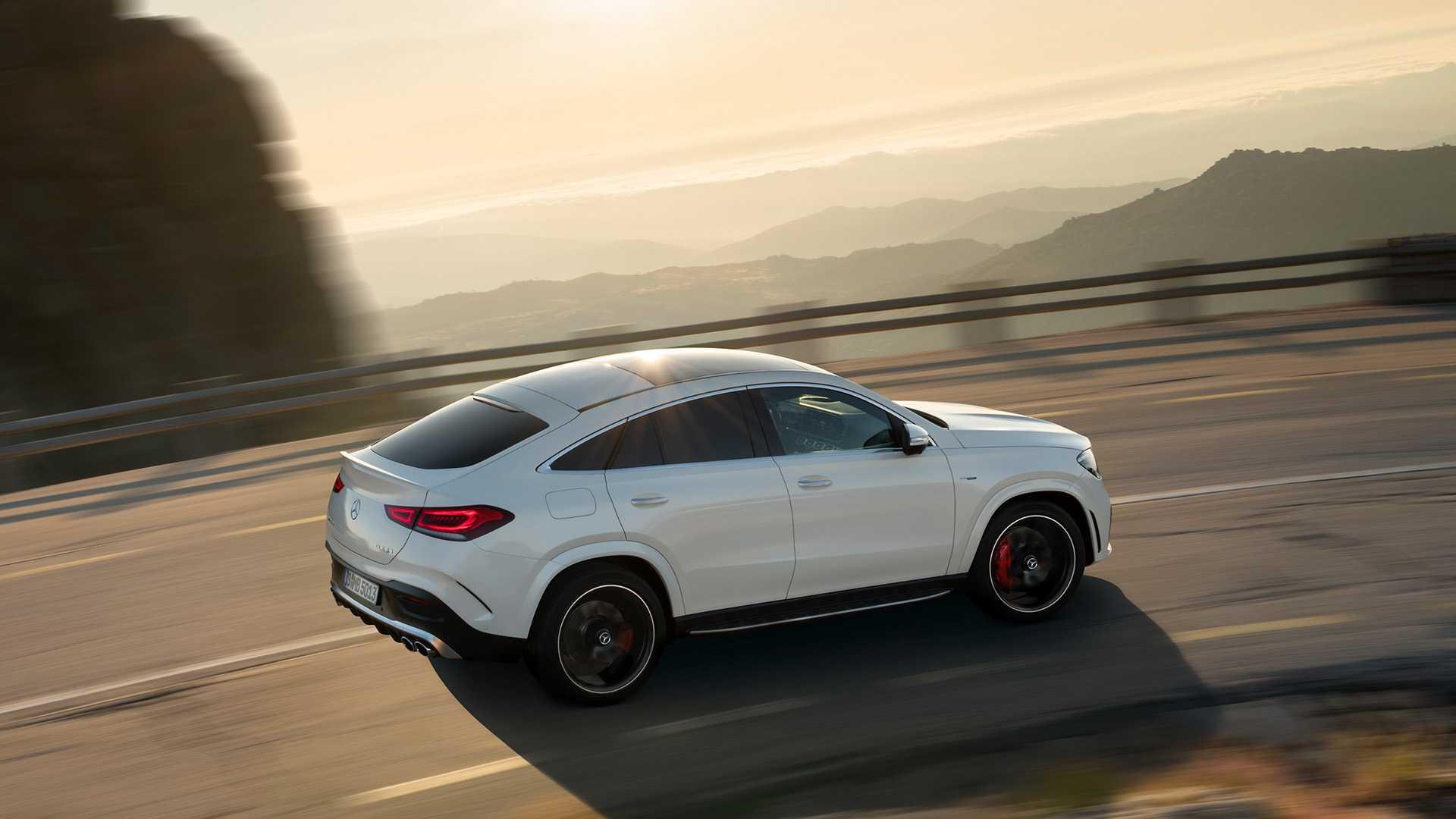 2021 Mercedes-AMG GLE 53 Coupe 4MATIC+ (Color: Designo Diamond White Bright) Top Wallpapers (8)
