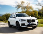 2019 BMW X5 xDrive45e iPerformance Front Three-Quarter Wallpapers 150x120 (2)