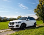 2019 BMW X5 xDrive45e iPerformance Front Three-Quarter Wallpapers 150x120 (33)