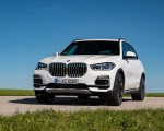2019 BMW X5 xDrive45e iPerformance Front Three-Quarter Wallpapers 150x120 (46)