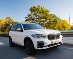 2019 BMW X5 xDrive45e iPerformance Front Three-Quarter Wallpapers 150x120 (16)