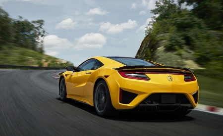 2020 Acura NSX (Color: Indy Yellow Pearl) Rear Three-Quarter Wallpapers 450x275 (7)