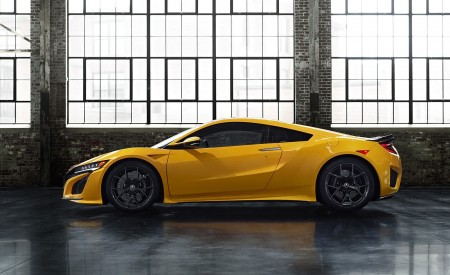 2020 Acura NSX (Color: Indy Yellow Pearl) Side Wallpapers 450x275 (12)