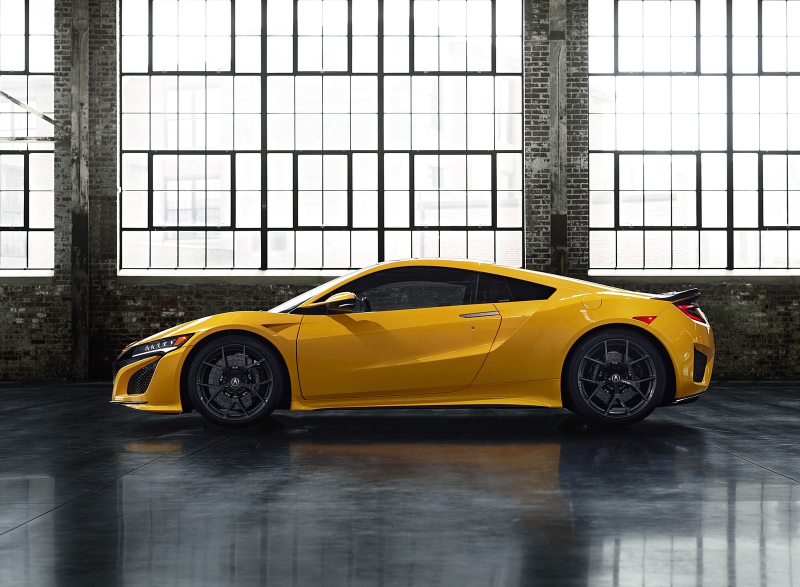2020 Acura NSX (Color: Indy Yellow Pearl) Side Wallpapers (12)