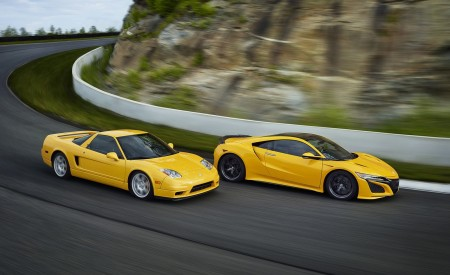 2020 Acura NSX (Color: Indy Yellow Pearl) and Classic NSX Wallpapers 450x275 (9)