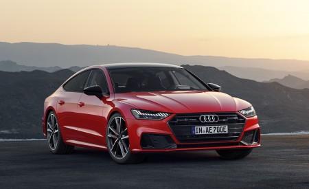 2020 Audi A7 Sportback 55 TFSI e quattro (Plug-In Hybrid Color: Tango Red) Front Three-Quarter Wallpapers 450x275 (65)