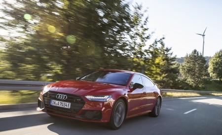 2020 Audi A7 Sportback 55 TFSI e quattro Plug-In Hybrid (Color: Tango Red) Front Three-Quarter Wallpapers 450x275 (10)