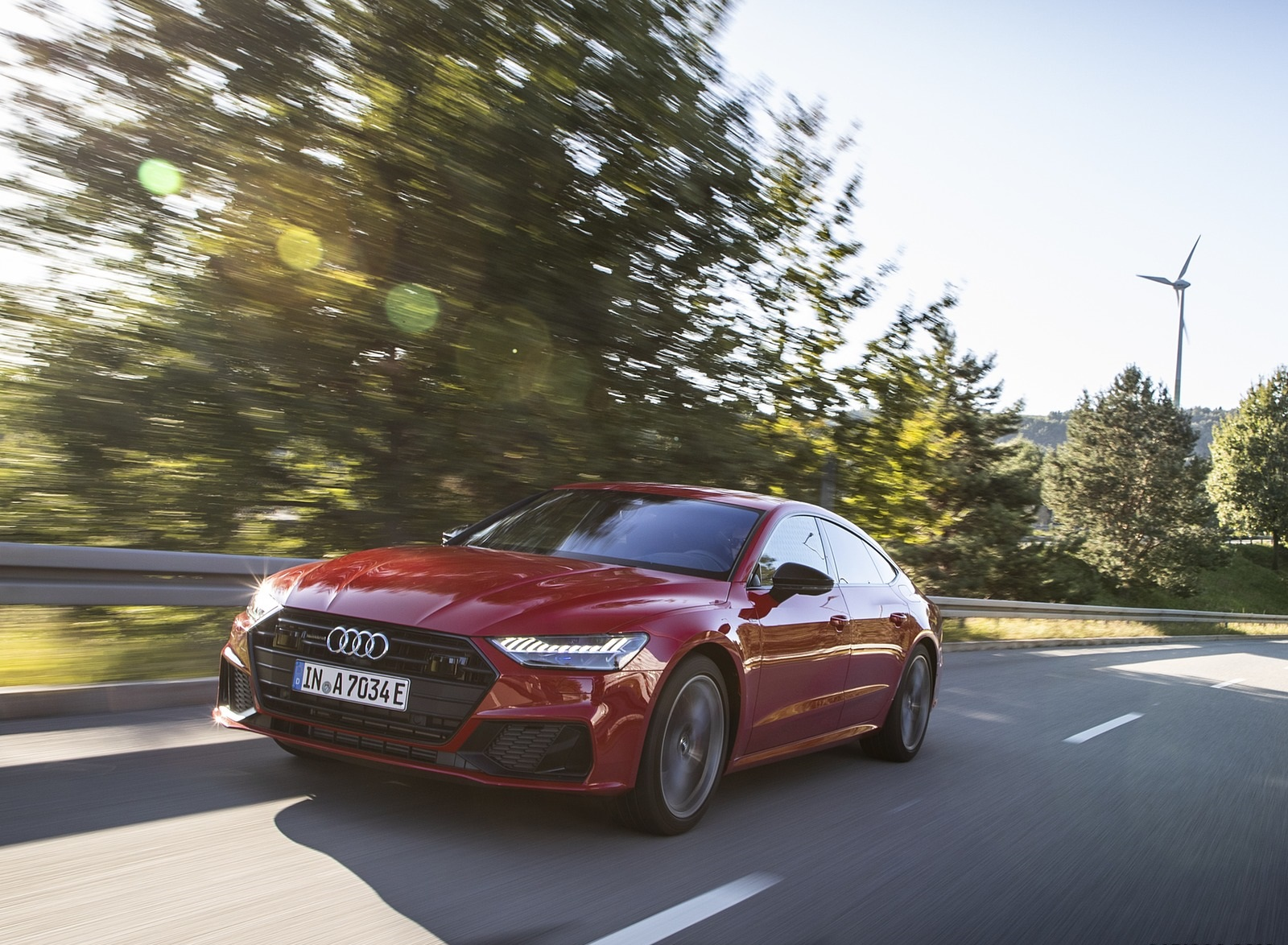 2020 Audi A7 Sportback 55 TFSI e quattro Plug-In Hybrid (Color: Tango Red) Front Three-Quarter Wallpapers (10)