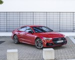2020 Audi A7 Sportback 55 TFSI e quattro Plug-In Hybrid (Color: Tango Red) Front Three-Quarter Wallpapers 150x120 (26)