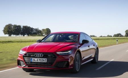2020 Audi A7 Sportback 55 TFSI e quattro Plug-In Hybrid (Color: Tango Red) Front Three-Quarter Wallpapers 450x275 (3)