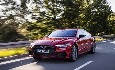 2020 Audi A7 Sportback 55 TFSI e quattro Plug-In Hybrid (Color: Tango Red) Front Three-Quarter Wallpapers 450x275 (14)