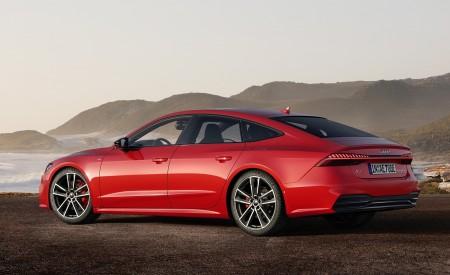 2020 Audi A7 Sportback 55 TFSI e quattro (Plug-In Hybrid Color: Tango Red) Rear Three-Quarter Wallpapers 450x275 (70)