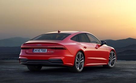 2020 Audi A7 Sportback 55 TFSI e quattro (Plug-In Hybrid Color: Tango Red) Rear Three-Quarter Wallpapers 450x275 (71)