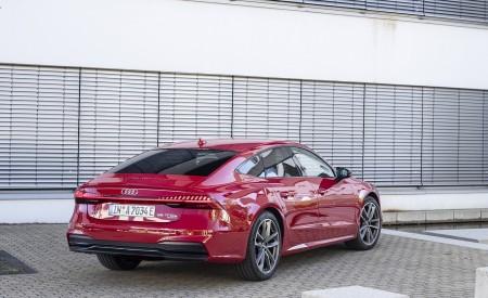 2020 Audi A7 Sportback 55 TFSI e quattro Plug-In Hybrid (Color: Tango Red) Rear Three-Quarter Wallpapers 450x275 (33)