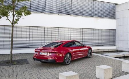 2020 Audi A7 Sportback 55 TFSI e quattro Plug-In Hybrid (Color: Tango Red) Rear Three-Quarter Wallpapers 450x275 (34)