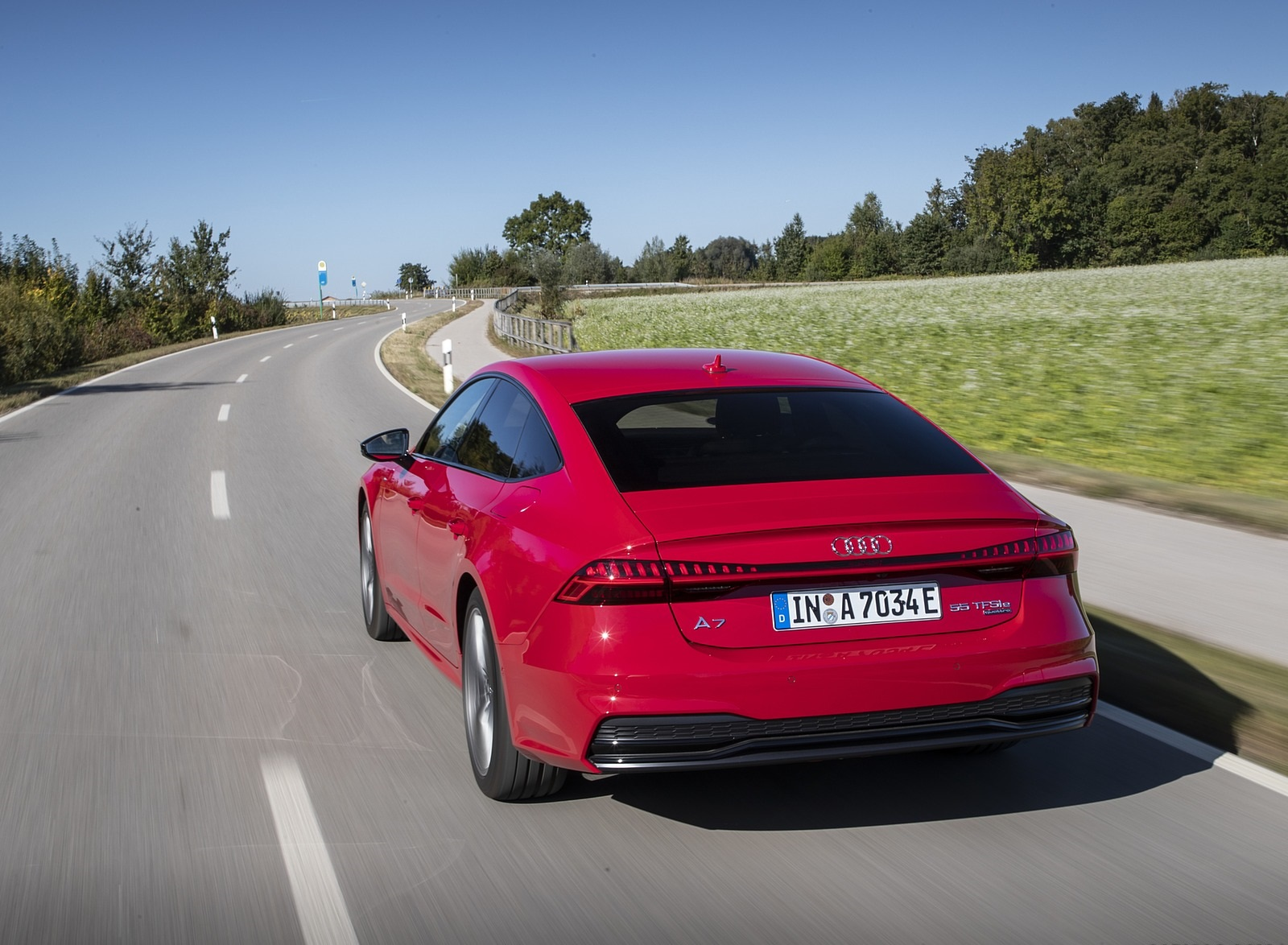 2020 Audi A7 Sportback 55 TFSI e quattro Plug-In Hybrid (Color: Tango Red) Rear Wallpapers (8)