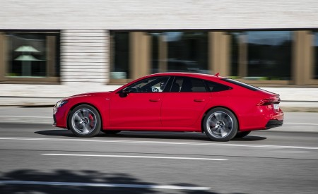 2020 Audi A7 Sportback 55 TFSI e quattro Plug-In Hybrid (Color: Tango Red) Side Wallpapers 450x275 (22)