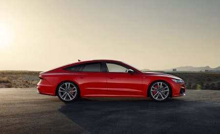 2020 Audi A7 Sportback 55 TFSI e quattro (Plug-In Hybrid Color: Tango Red) Side Wallpapers 450x275 (73)