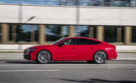 2020 Audi A7 Sportback 55 TFSI e quattro Plug-In Hybrid (Color: Tango Red) Side Wallpapers 450x275 (23)