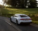 2020 Audi RS 7 Sportback (Color: Glacier White) Rear Three-Quarter Wallpapers 150x120 (27)