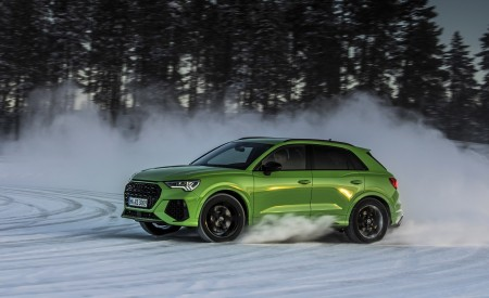 2020 Audi RS Q3 (Color: Kyalami Green) Front Three-Quarter Wallpapers 450x275 (25)