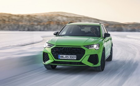 2020 Audi RS Q3 (Color: Kyalami Green) Front Wallpapers 450x275 (28)