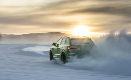 2020 Audi RS Q3 (Color: Kyalami Green) Rear Three-Quarter Wallpapers 450x275 (29)