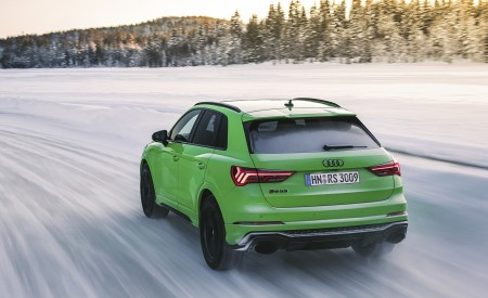 2020 Audi RS Q3 (Color: Kyalami Green) Rear Three-Quarter Wallpapers 450x275 (30)