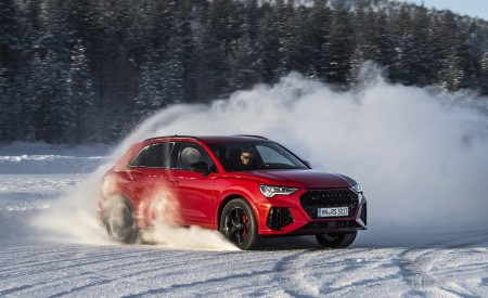 2020 Audi RS Q3 (Color: Tango Red) Front Three-Quarter Wallpapers 450x275 (3)