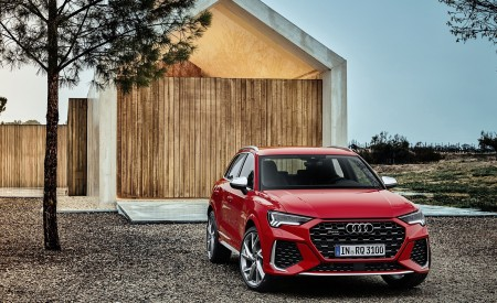 2020 Audi RS Q3 (Color: Tango Red) Front Three-Quarter Wallpapers 450x275 (58)