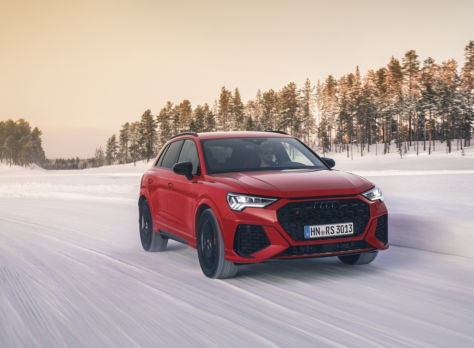 2020 Audi RS Q3 (Color: Tango Red) Front Wallpapers (2)