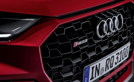 2020 Audi RS Q3 (Color: Tango Red) Grill Wallpapers 450x275 (79)