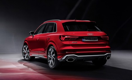 2020 Audi RS Q3 (Color: Tango Red) Rear Three-Quarter Wallpapers 450x275 (74)