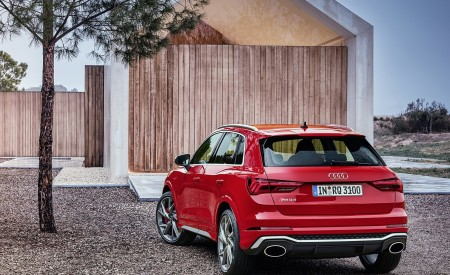2020 Audi RS Q3 (Color: Tango Red) Rear Three-Quarter Wallpapers 450x275 (62)