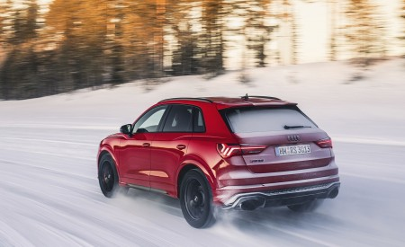 2020 Audi RS Q3 (Color: Tango Red) Rear Three-Quarter Wallpapers 450x275 (6)