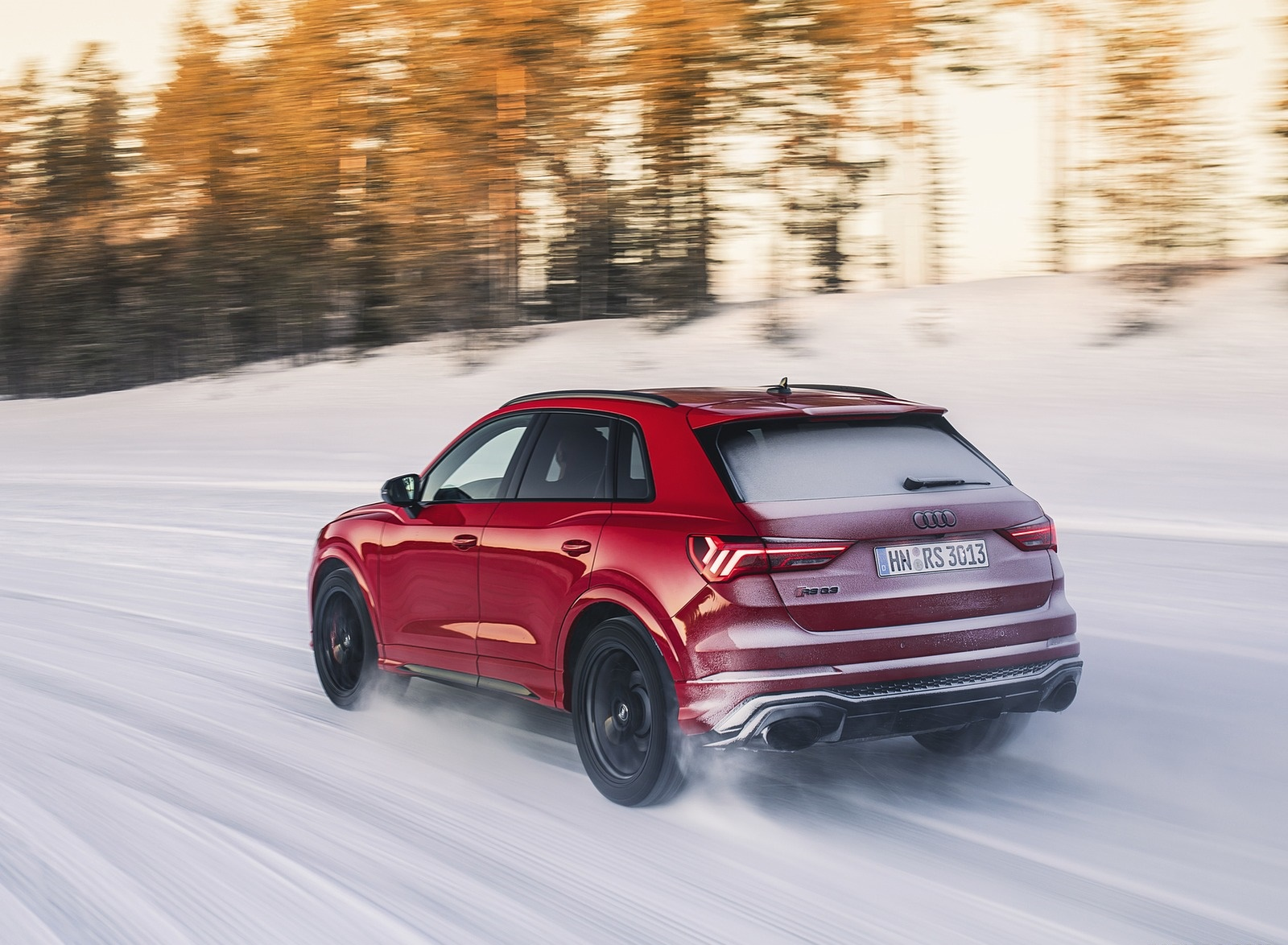 2020 Audi RS Q3 (Color: Tango Red) Rear Three-Quarter Wallpapers (6)