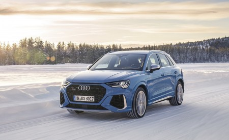2020 Audi RS Q3 (Color: Turbo Blue) Front Three-Quarter Wallpapers 450x275 (42)