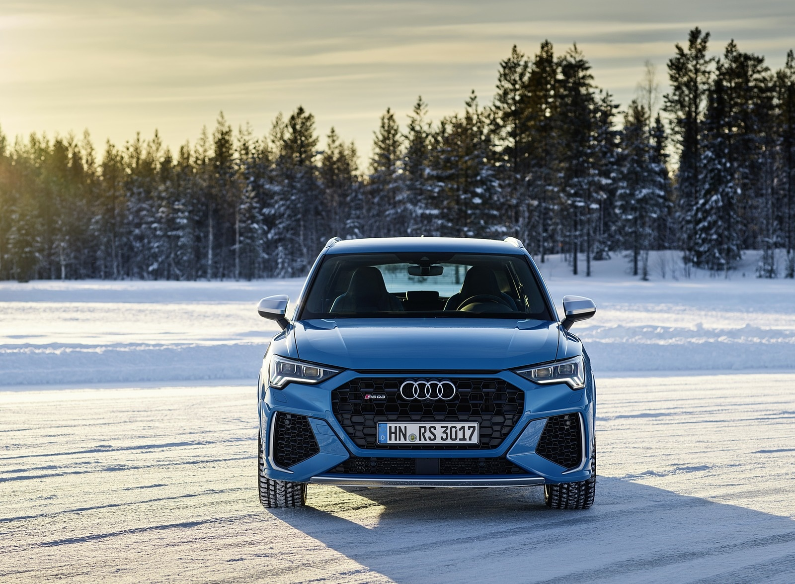 2020 Audi RS Q3 (Color: Turbo Blue) Front Wallpapers #46 of 116