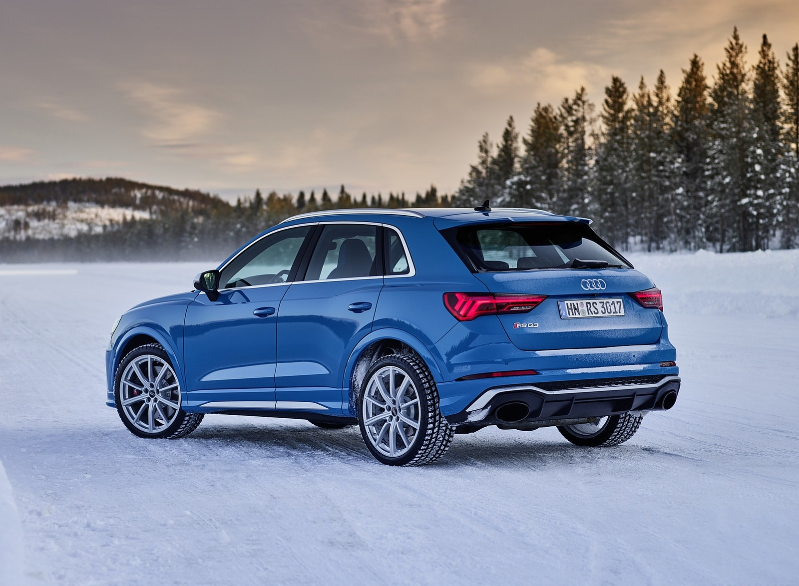 2020 Audi RS Q3 (Color: Turbo Blue) Rear Three-Quarter Wallpapers #47 of 116