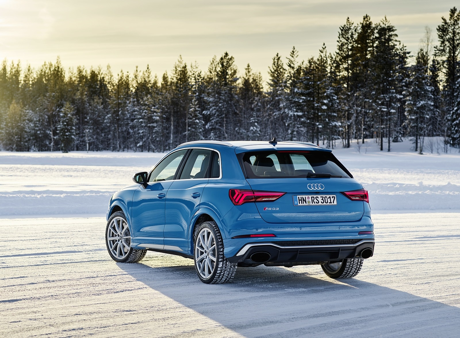 2020 Audi RS Q3 (Color: Turbo Blue) Rear Three-Quarter Wallpapers #48 of 116