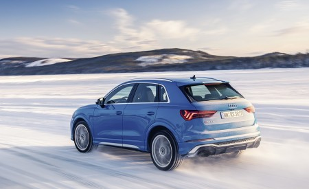 2020 Audi RS Q3 (Color: Turbo Blue) Rear Three-Quarter Wallpapers 450x275 (43)