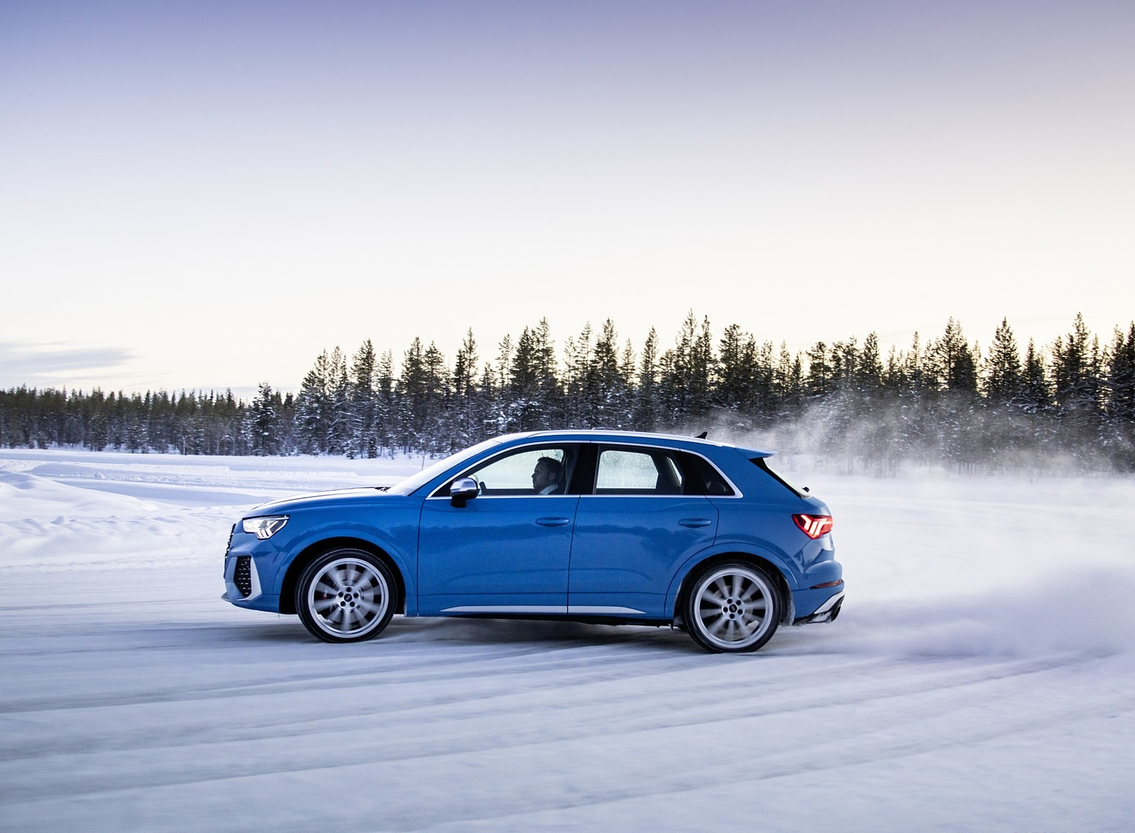 2020 Audi RS Q3 (Color: Turbo Blue) Side Wallpapers #44 of 116